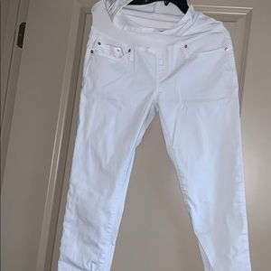 "Maternity ""true skinny"" white jeans"